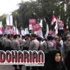 Buset!! Beda Dengan Demo 212 , Demo Pro Ahok Cuma Di Jaga 300 Polisi