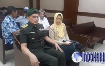 Permalink to Kivlan Zen Jalani Sidang Dengan Pakaian TNI