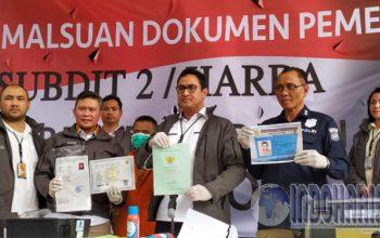 Permalink to Bisnis Pemalsuan Dokumen Sejak 2011, Helmi Diringkus