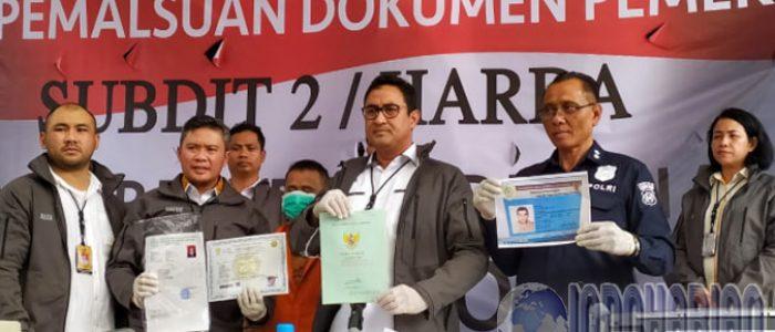 Bisnis Pemalsuan Dokumen Sejak 2011, Helmi Diringkus