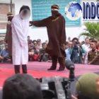Tertangkap Basah, Sepasang Homoseks Dieksekusi Cambuk Sebanyak 85 kali