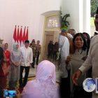 "Anies-Sandi Disoraki Warga ""Huuuu"" Saat Tiba Di Istana Jokowi, Karena…"