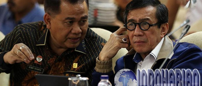 PANAS! DPR Kritik Yasonna: Jadi Menteri Yang Becus Dong!!!