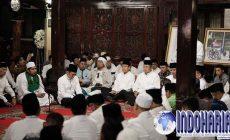 Permalink to Keluarga SBY Tahlilan Di Cikeas Malam Ini