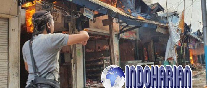 Pasar Cempaka Putih Kebakaran, 20 Unit Damkar Diturunkan