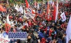Permalink to Menahan Pergerakan Massa Buruh, Polisi Menghadang Di 10 Titik