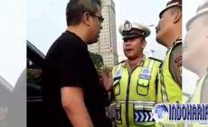 Permalink to Medsos Dihebohkan, Seorang Pengemudi Mobil Fortuner Mengumpat ke Polisi