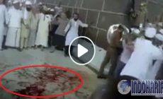 Permalink to Medsos Dihebohkan Lantai Kakbah Berdarah, Pertanda Apa Ini???