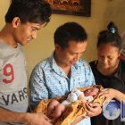 Kisah Dramatis Sopir Taksi Palamarta Bantu Ibu Melahirkan di Taksinya