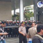 Facebook Didemo FPI, Puluhan Petugas Keamanan Mengenakan Peci