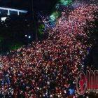Ribuan Warga Surabaya Ikut Serta Aksi Simpatik 1.000 Lilin di..