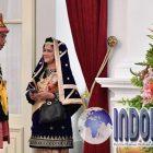 Inilah Tampak Momen Manis Jokowi-Iriana Selfie Bareng
