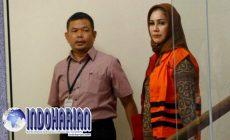 Permalink to Di Dalam Tahanan, Bunda Sitha Rajin Beribadah