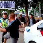 Parah! Dua Polisi Habis-habisan Dikeroyok Oleh…